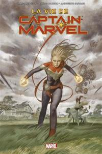 Captain Marvel, La vie de Captain Marvel