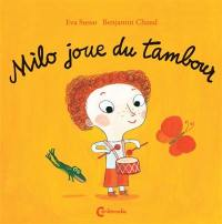 Milo joue du tambour