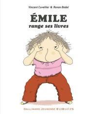 Emile, Emile range ses livres
